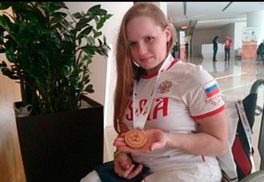 Паралимпийская спортсменка из Санкт-Петербурга стала чемпионкой России по пауэрлифтингу